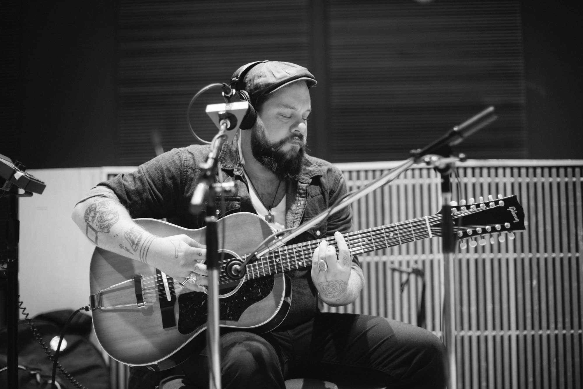 Nathaniel Rateliff & The Night Sweats - 14
