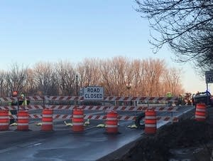 MnDOT workers closed the Highway 41 bridge over the Minnesota River