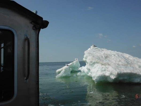 1610 WI DNR iceberg Superior