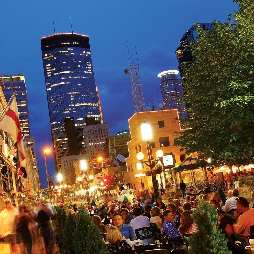 Downtown Minneapolis Patio Dining