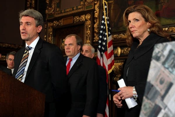 Rybak and other officials