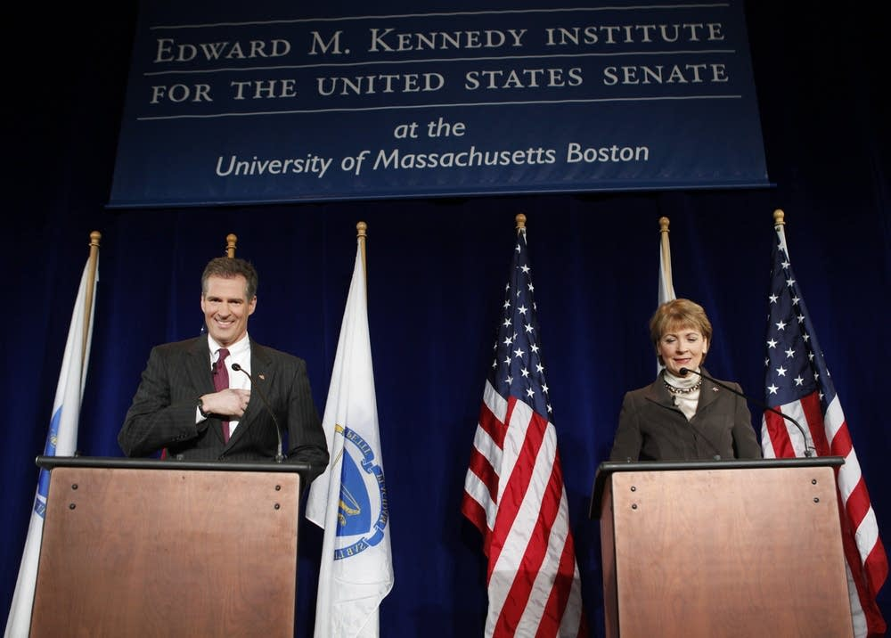 Scott Brown, Martha Coakley