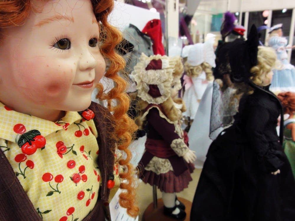 Dolls & toys