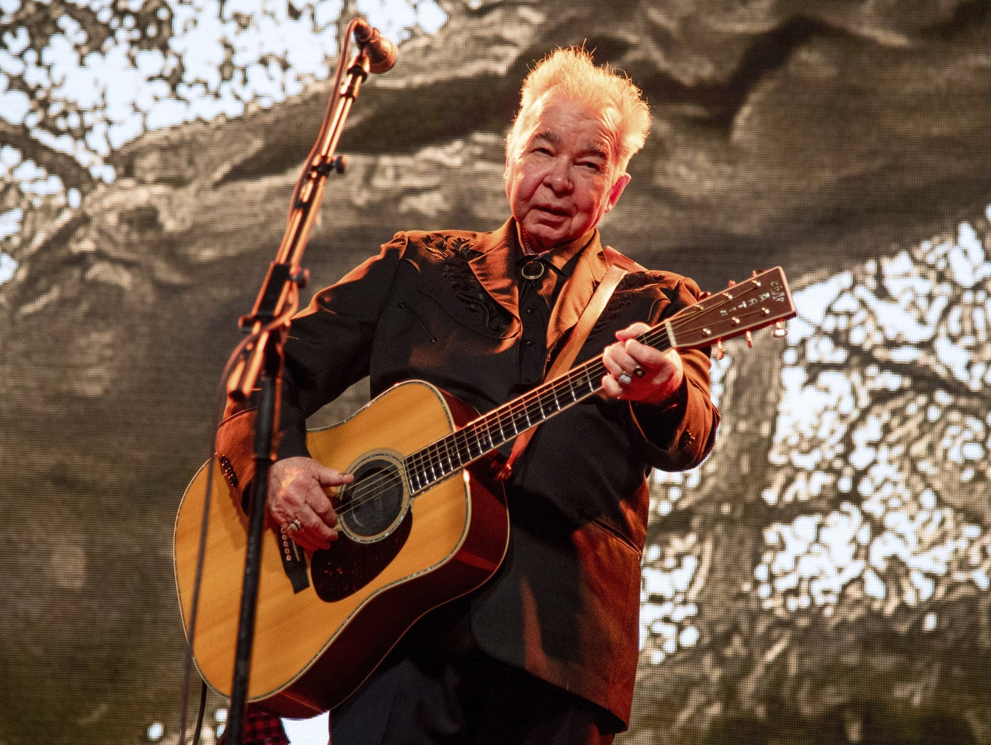 Singer-songwriter John Prine performs