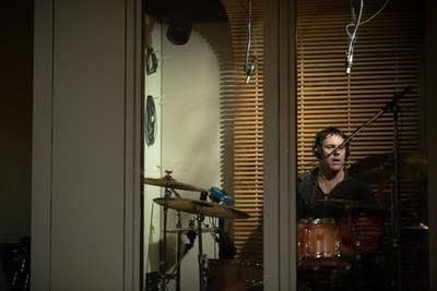 17b913 20140331 drummer richard beasley