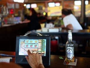 Electronic pulltabs