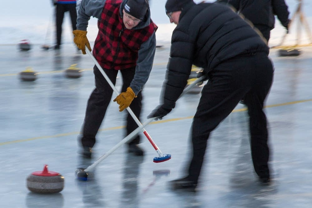 29 teams registered for the bonspiel.