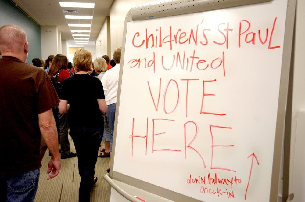 Signs guide nurses as they vote