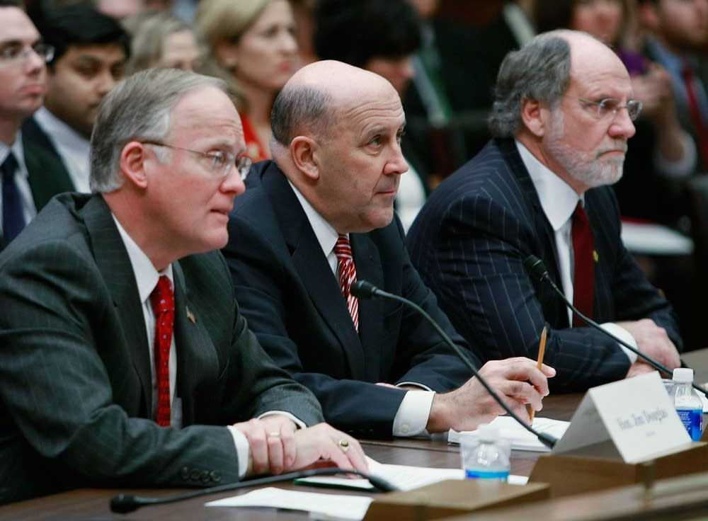 Governors outline financial problems