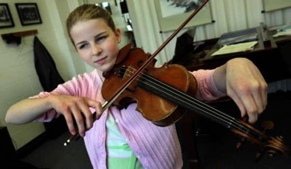 Caroline Goulding, violin