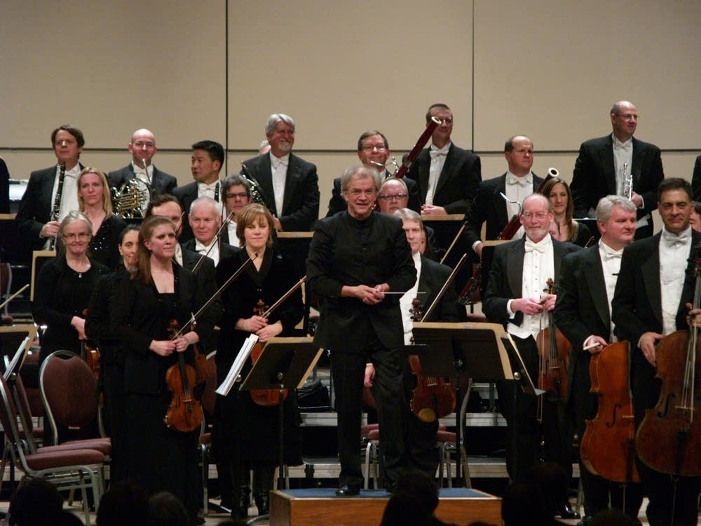 Osmo Vanska and orchestra