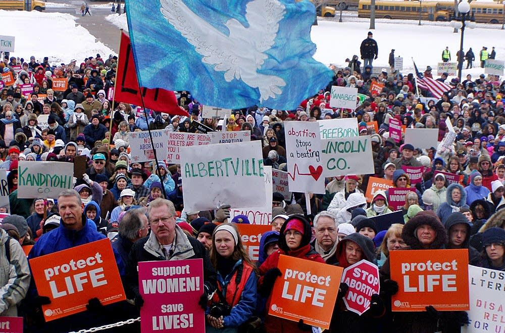 Abortion opponents rally