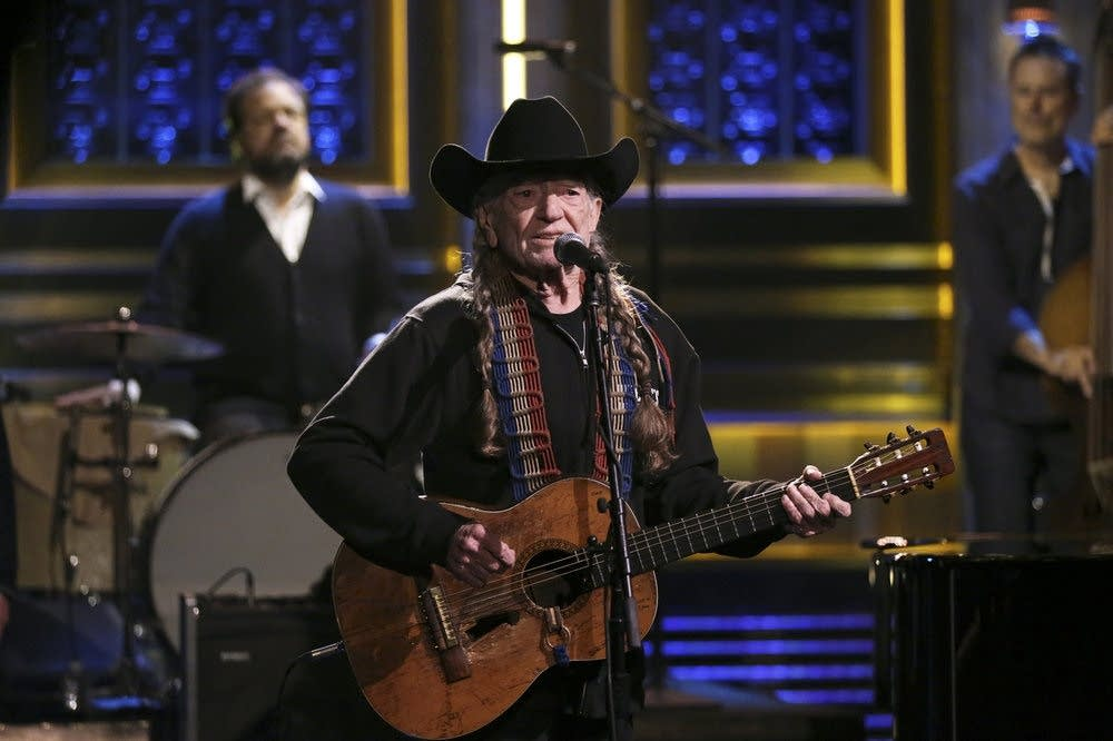 Willie Nelson performs on 'The Tonight Show Starring Jimmy Fallon'