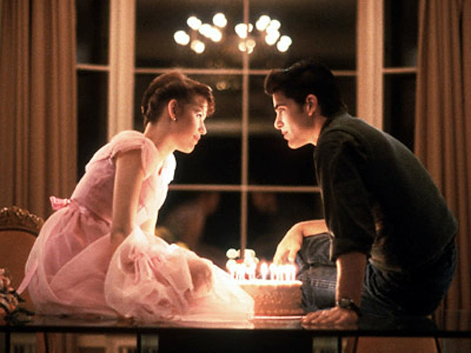 Sixteen Candles last scene screen shot