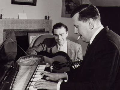 A02228 20171120 malcolm arnold and julian bream 1958