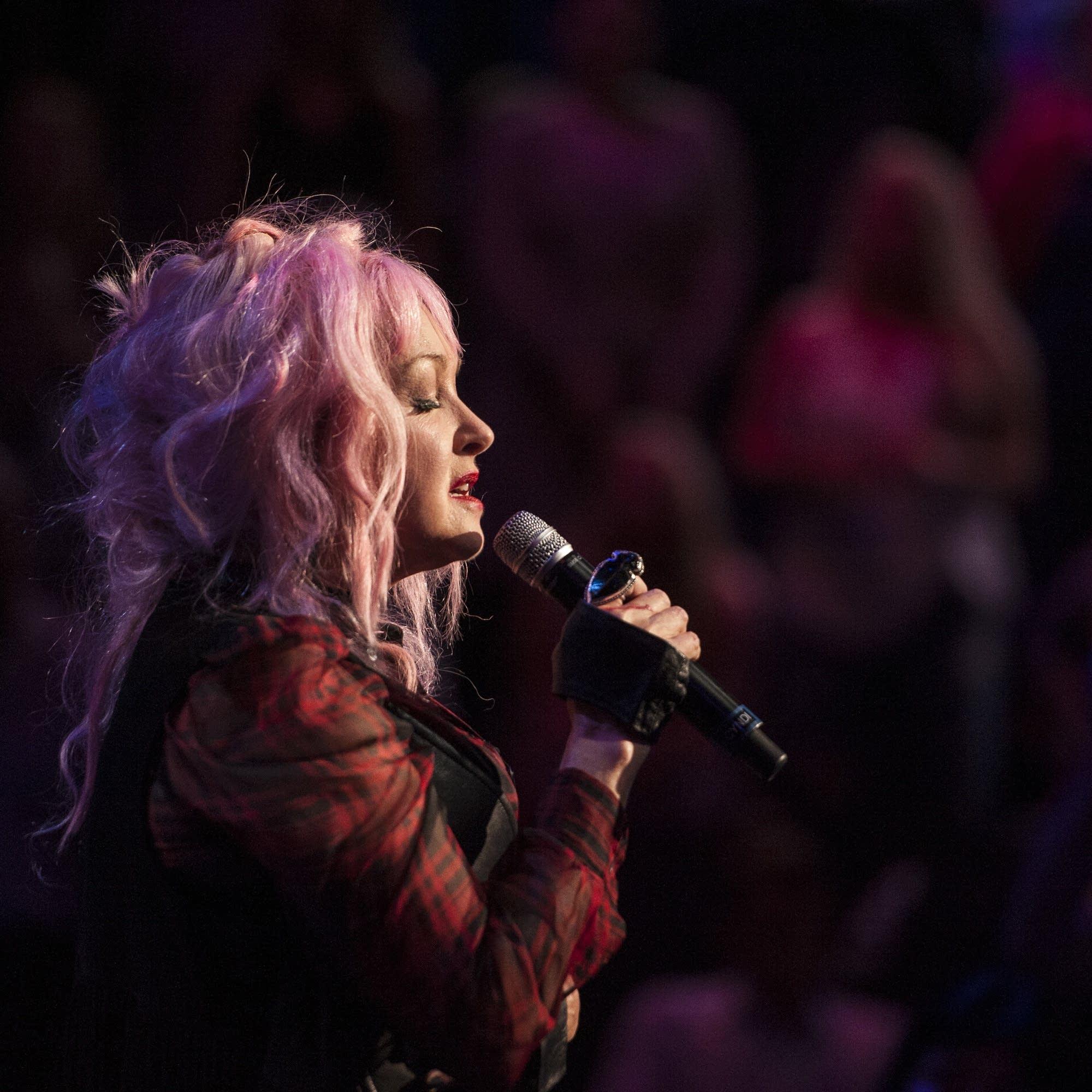 Cyndi Lauper performs on 'Austin City Limits'