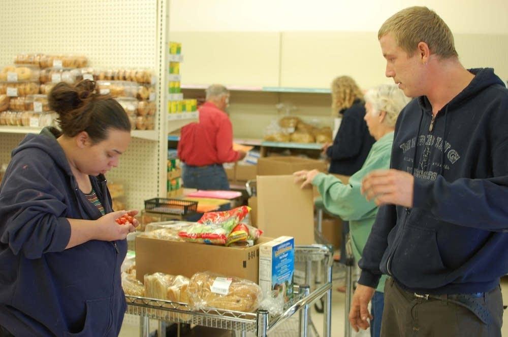 Shopping at food shelf