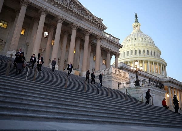 Members of the House of Representatives leave for Christmas break