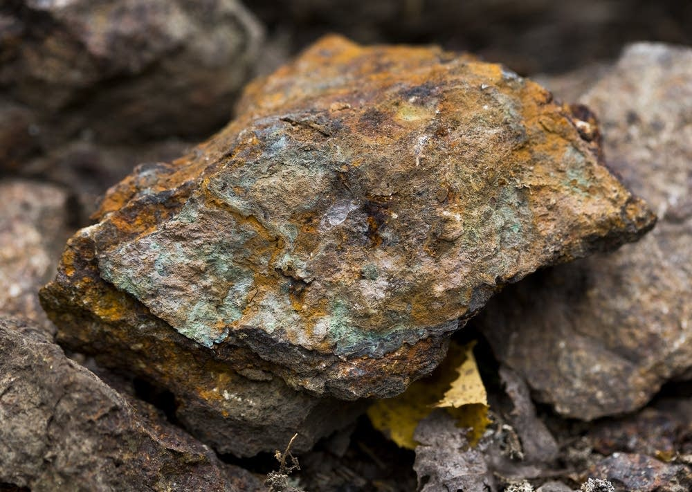 A rock with signs of copper