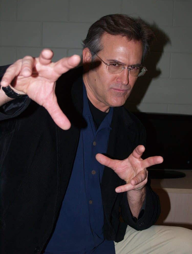 Bruce Campbell gets handy
