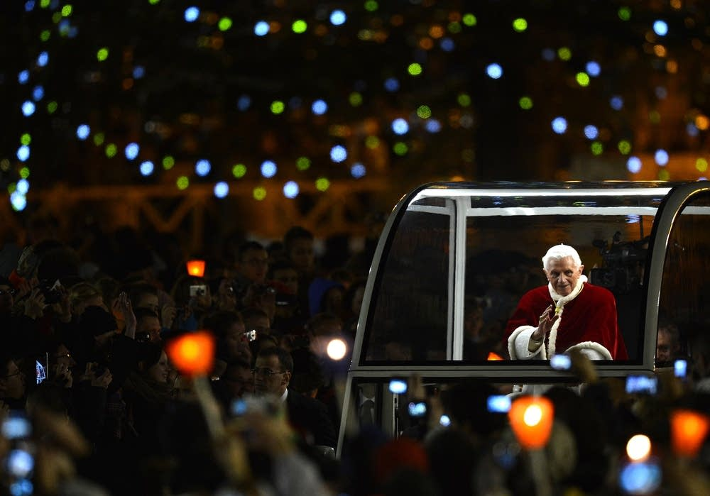 Pope Benedict XVI blesses faithful