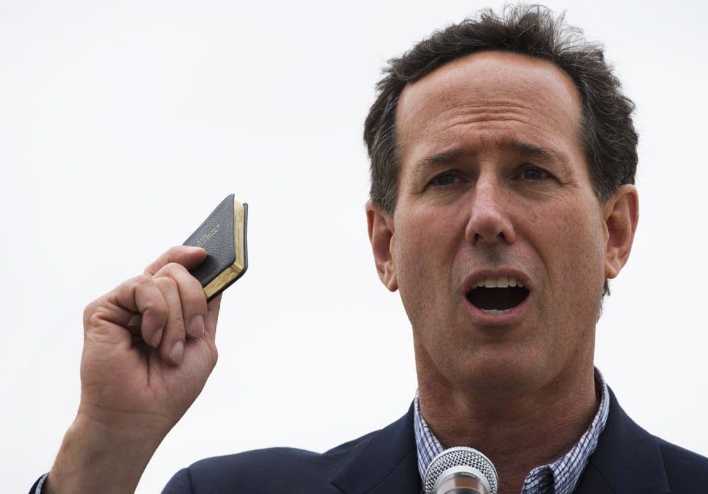 Rick Santorum Campaigns In Illinois Ahead Of Prima
