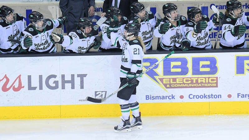 UND women's hockey