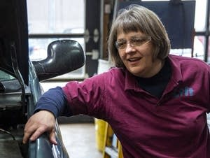 Lift Garage founder Cathy Heying discusses a problem with a technician