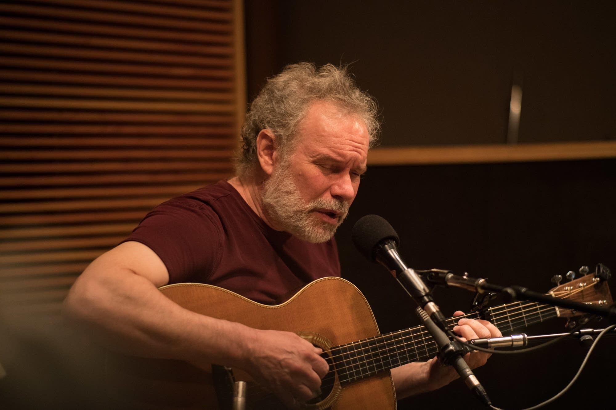 John Gorka performs in the Radio Heartland studio