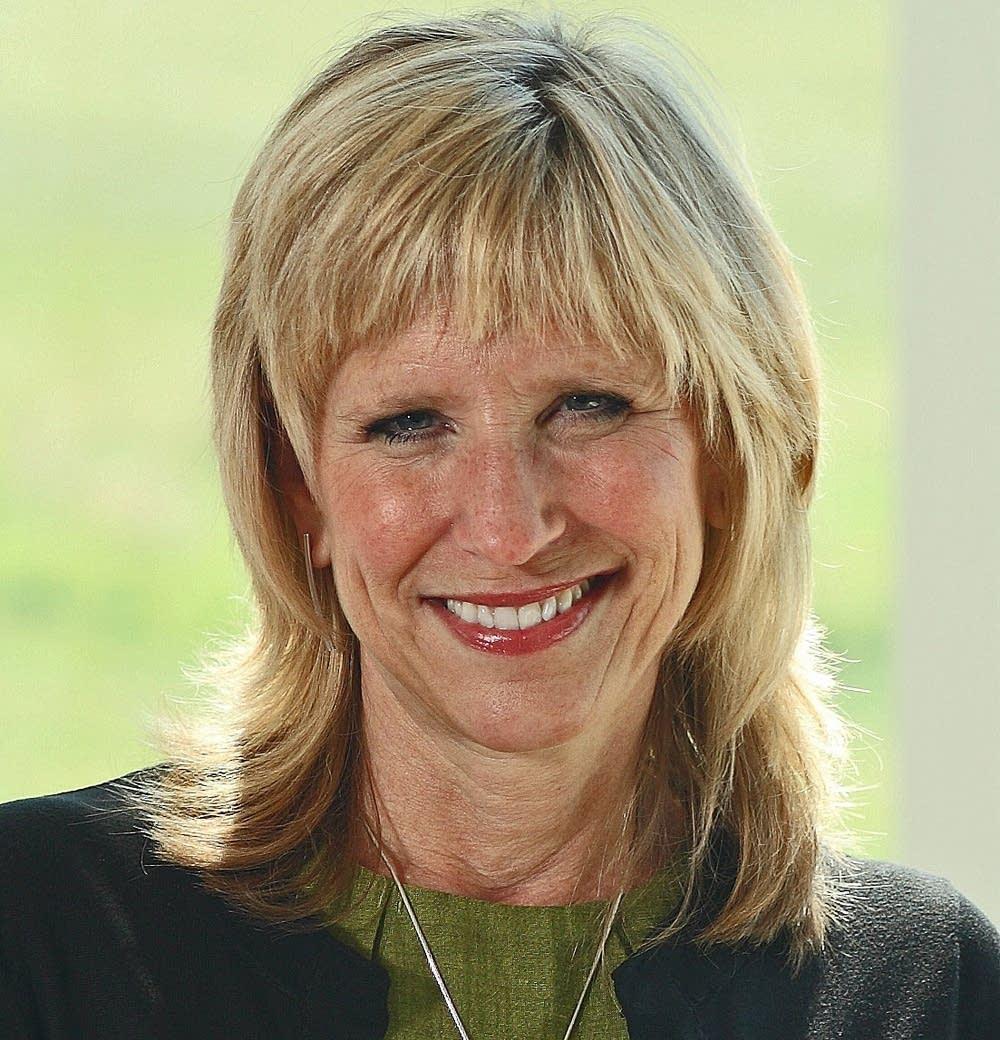 Sarah Stoesz