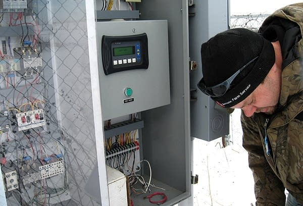 Checking the wind turbine meter