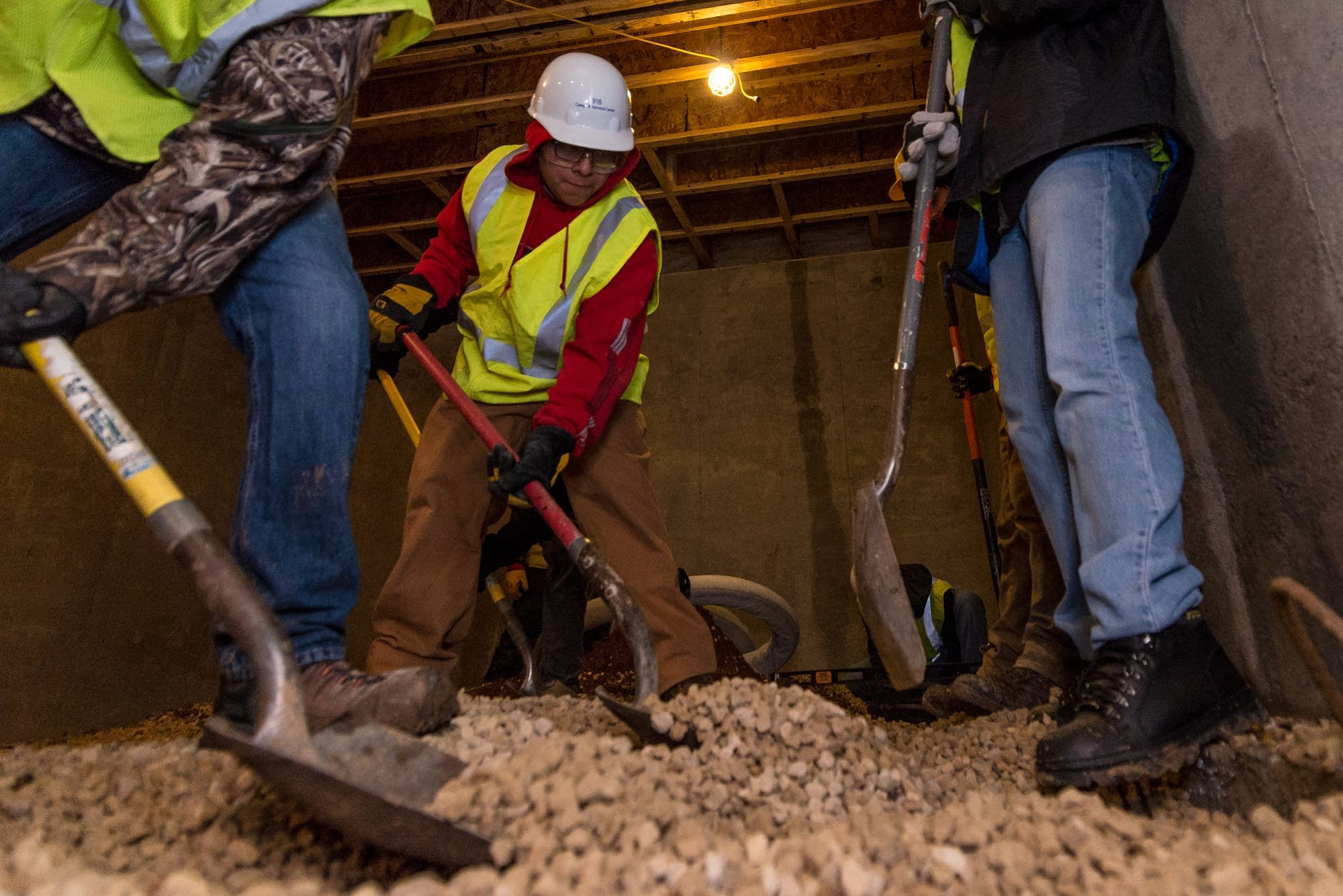 Building Construction Jobs : As workforce shrinks construction industry feels crunch