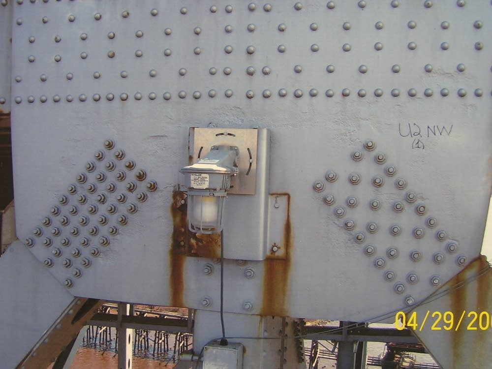 Gusset plates on the Blatnik Bridge in 2008.