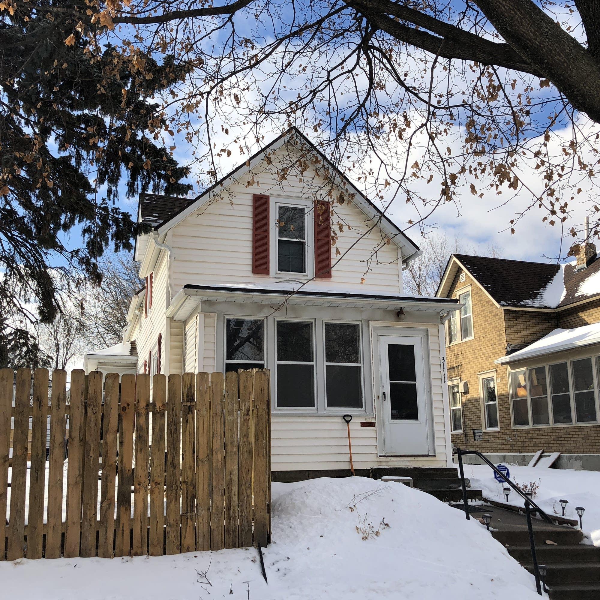 Landlord battles haunt Twin Cities low-income renters | MPR News