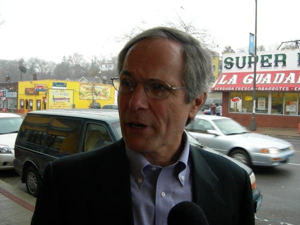 Hutchinson campaigning