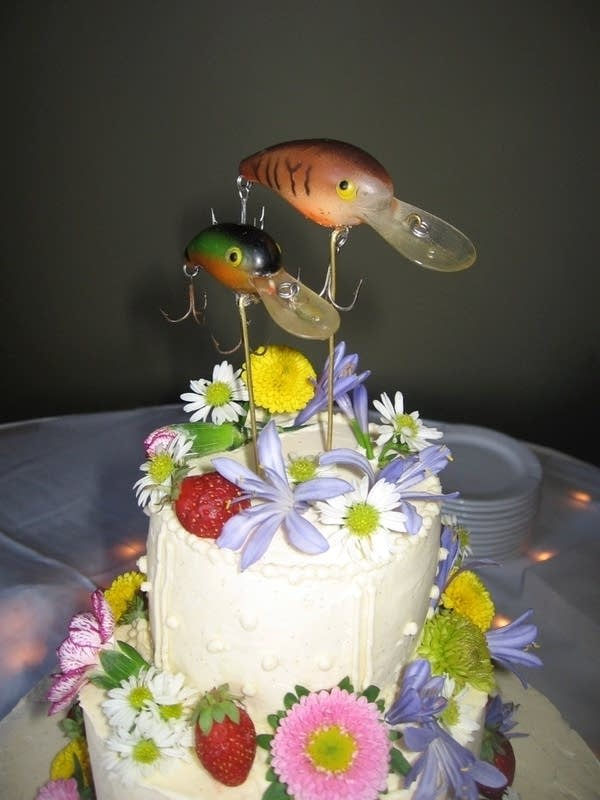 Hyun and Jamie's cake with a fly fishing theme.