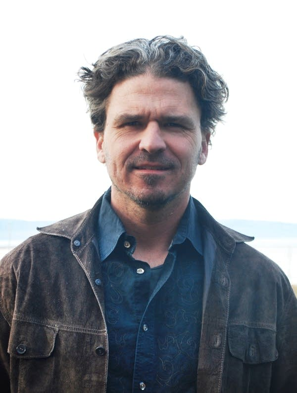 Best-selling author Dave Eggers
