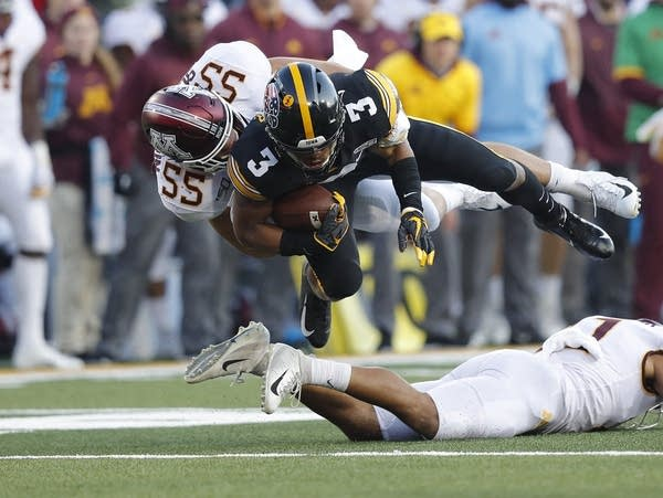 Minnesota Gophers football team takes on Iowa