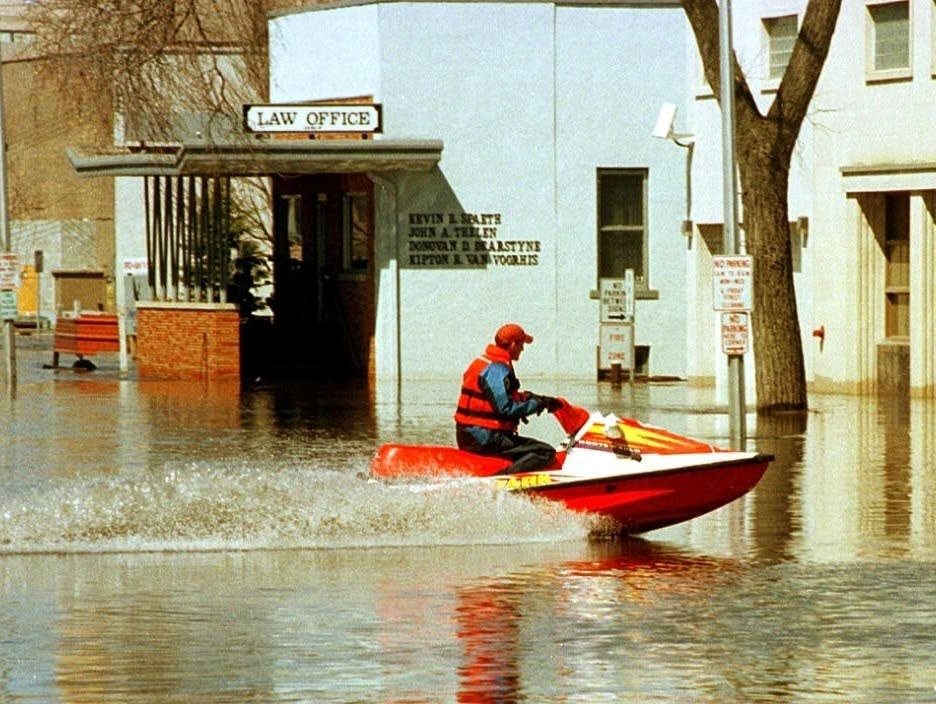 20 years after epic flood, Red River towns no longer dread