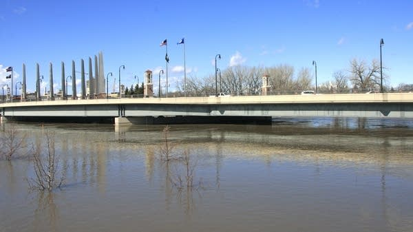 Red River of the North on April 8