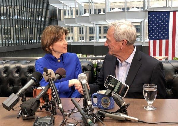Minn. AG Lori Swanson announces a run for governor with Rep. Rick Nolan.