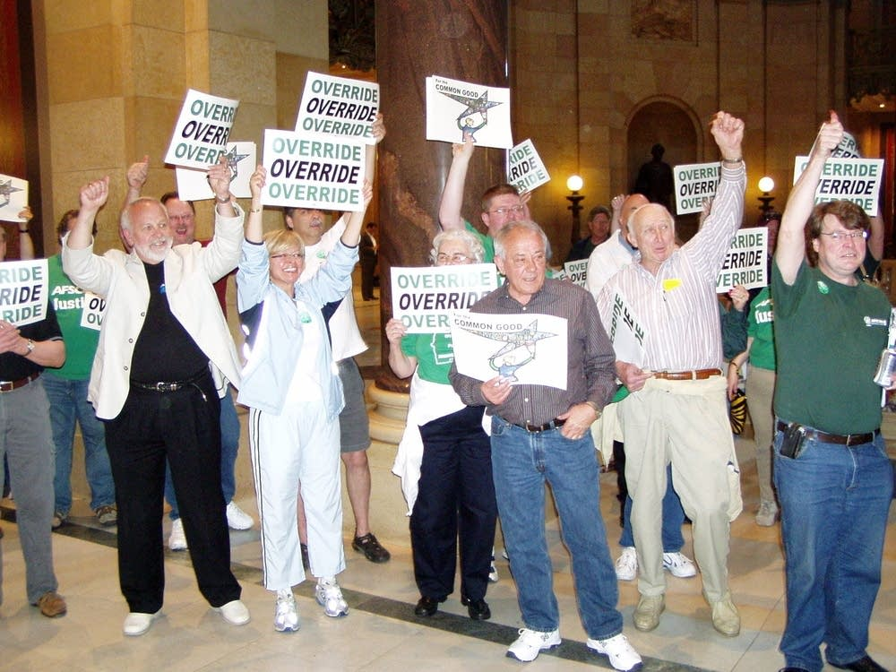 AFSCME union members