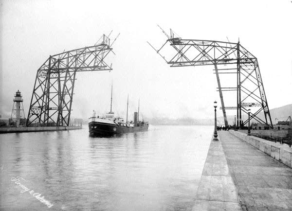 Duluth lift bridge under construction in 1904