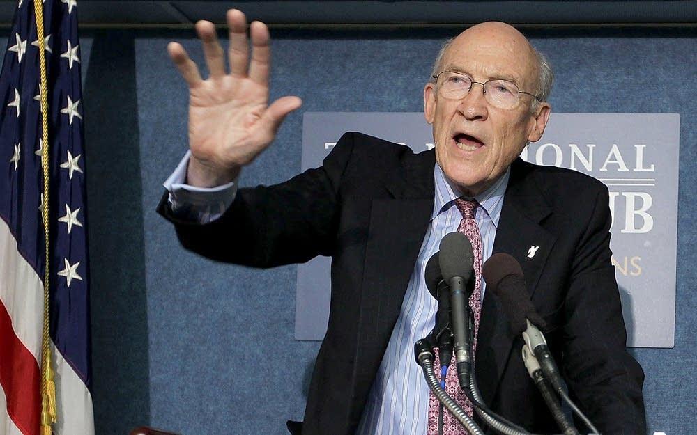 Former Sen. Alan Simpson