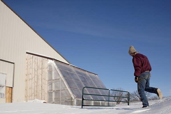 Deep-winter greenhouse