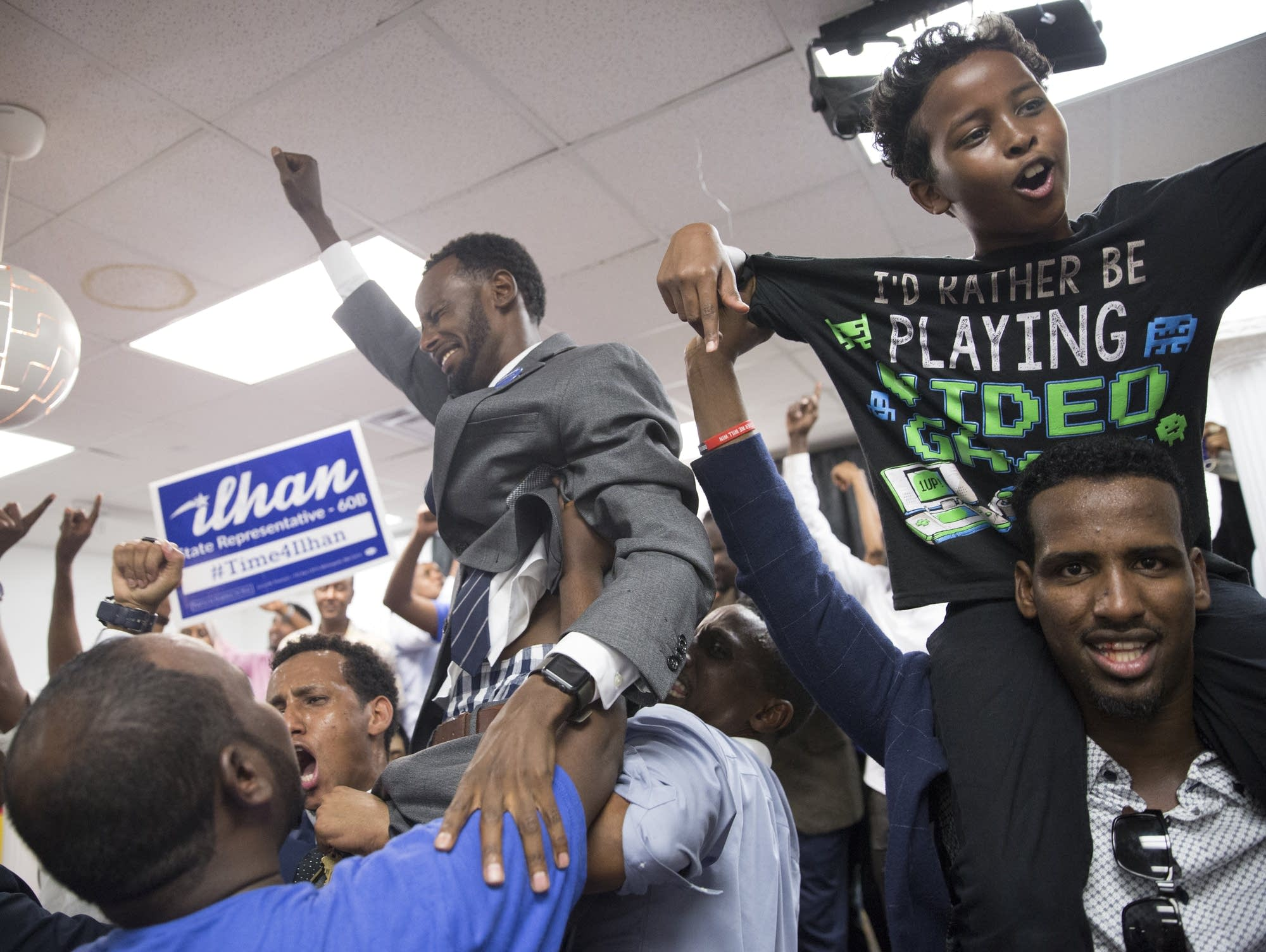 photos  ilhan omar and supporters celebrate primary