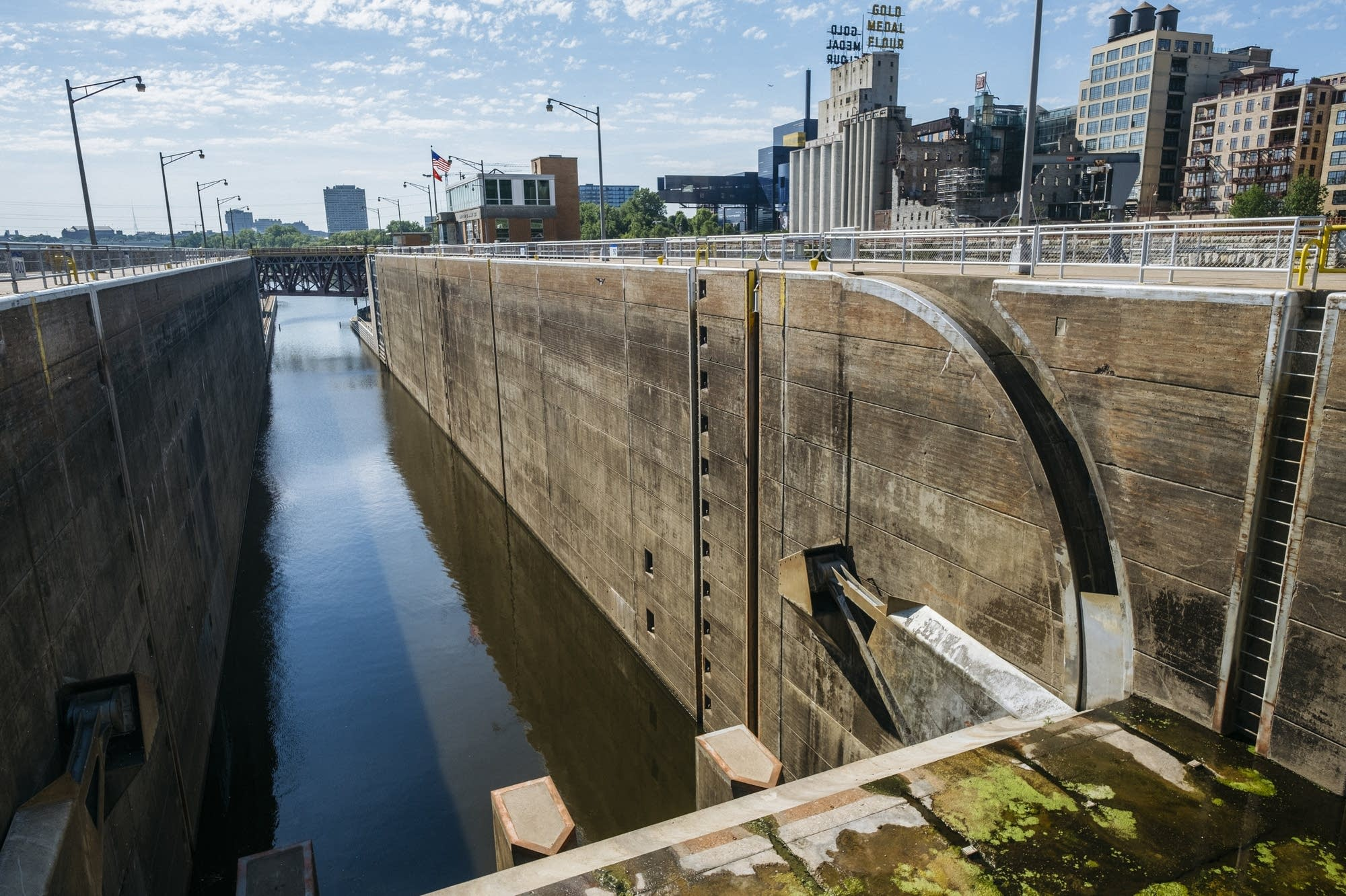 The St. Anthony Falls Lock sits empty.