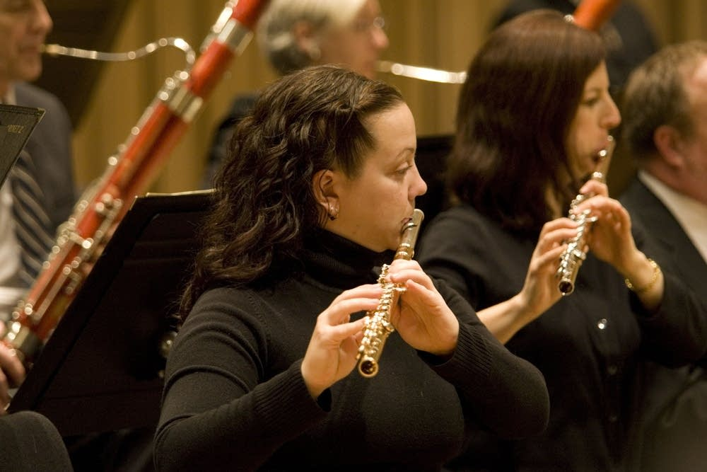 Flautists Alicia McQuerrey and Julia Bogora-Kogan