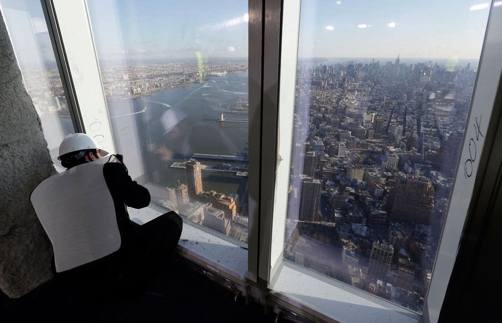 World trade center touts planned observation deck for 102nd floor empire state