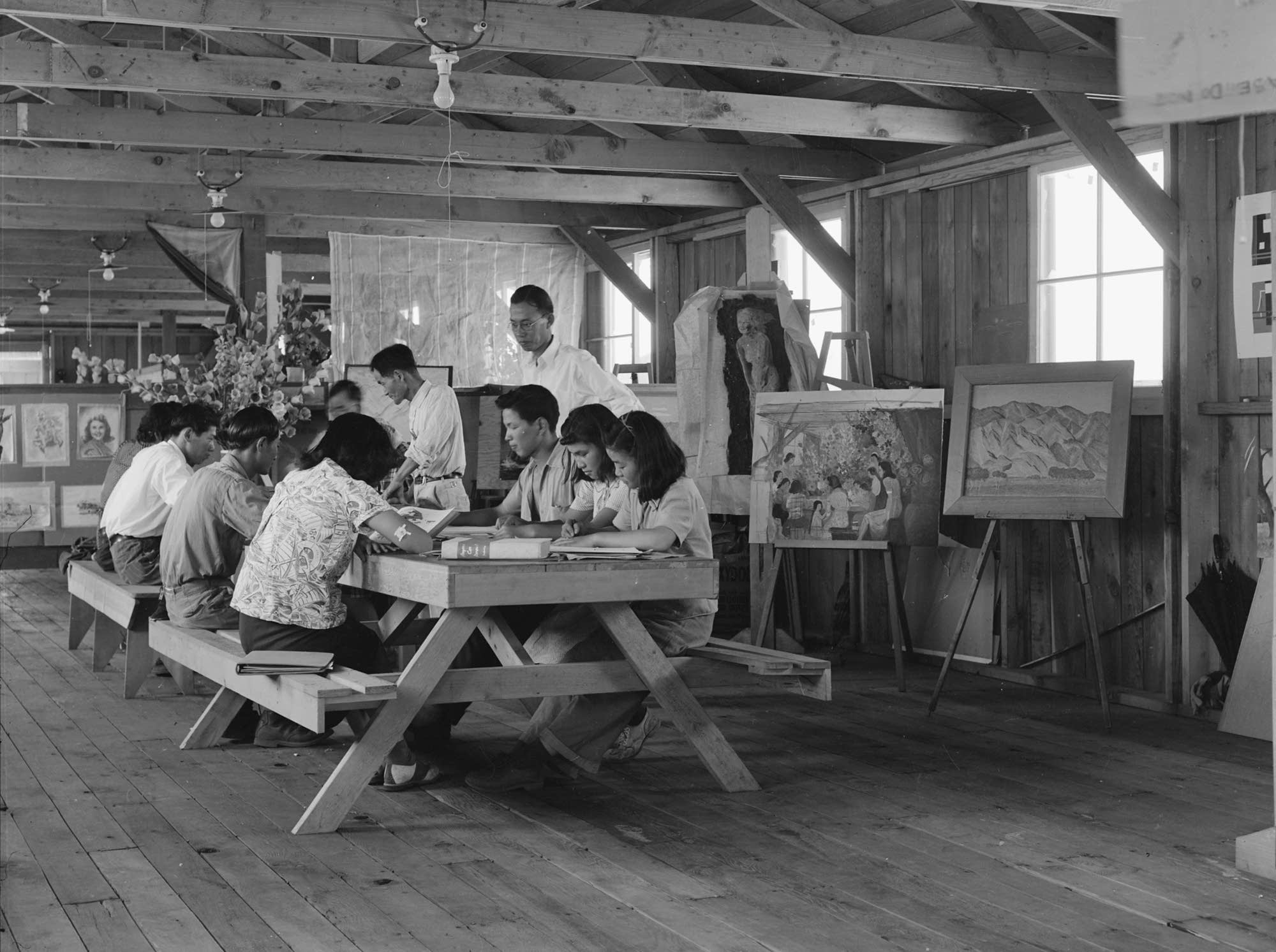 Manzanar Relocation Center, Art School